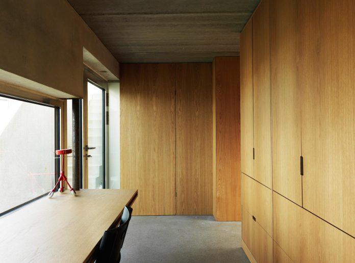 lie-oyen-arkitekter-design-tussefaret-villa-little-home-made-puzzle-prefabricated-concrete-elements-12