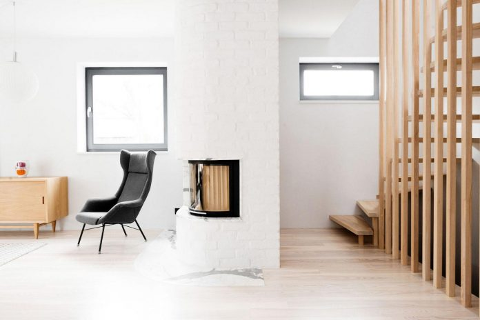 luminous-house-gumiencach-loft-szczecin-02