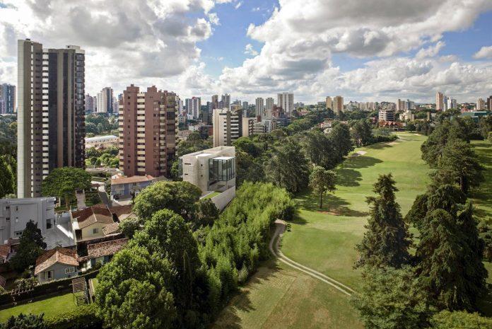 marcos-bertoldi-arquitetos-design-huge-rb-house-five-floors-home-near-graciosa-country-club-01