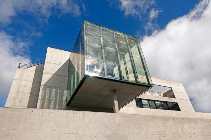 marcos-bertoldi-arquitetos-design-huge-rb-house-five-floors-home-near-graciosa-country-club-03