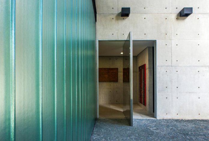 marcos-bertoldi-arquitetos-design-huge-rb-house-five-floors-home-near-graciosa-country-club-07