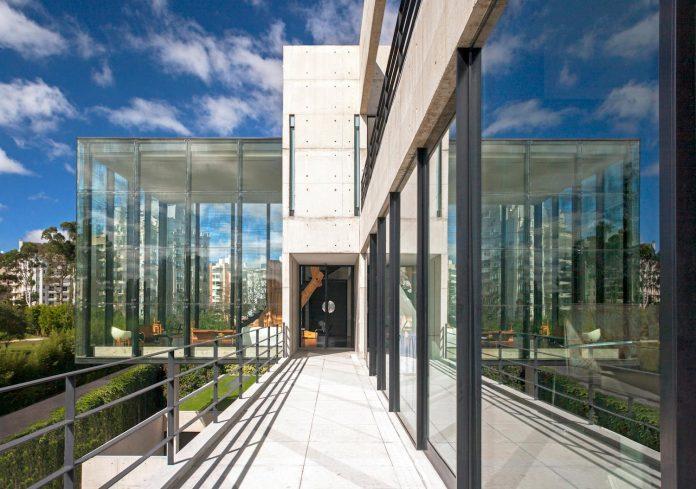 marcos-bertoldi-arquitetos-design-huge-rb-house-five-floors-home-near-graciosa-country-club-09