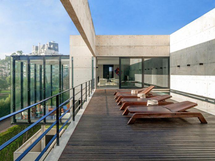 marcos-bertoldi-arquitetos-design-huge-rb-house-five-floors-home-near-graciosa-country-club-10
