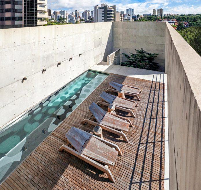 marcos-bertoldi-arquitetos-design-huge-rb-house-five-floors-home-near-graciosa-country-club-11