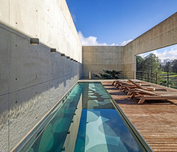marcos-bertoldi-arquitetos-design-huge-rb-house-five-floors-home-near-graciosa-country-club-12
