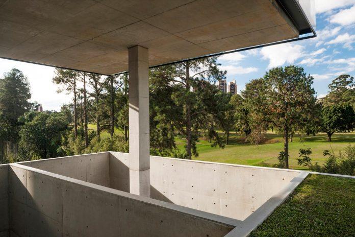 marcos-bertoldi-arquitetos-design-huge-rb-house-five-floors-home-near-graciosa-country-club-13