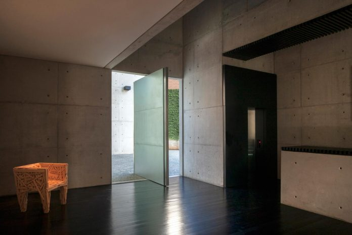 marcos-bertoldi-arquitetos-design-huge-rb-house-five-floors-home-near-graciosa-country-club-14