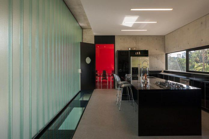 marcos-bertoldi-arquitetos-design-huge-rb-house-five-floors-home-near-graciosa-country-club-17