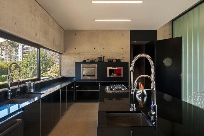 marcos-bertoldi-arquitetos-design-huge-rb-house-five-floors-home-near-graciosa-country-club-18
