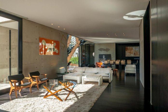 marcos-bertoldi-arquitetos-design-huge-rb-house-five-floors-home-near-graciosa-country-club-19
