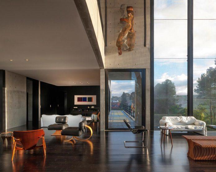 marcos-bertoldi-arquitetos-design-huge-rb-house-five-floors-home-near-graciosa-country-club-22