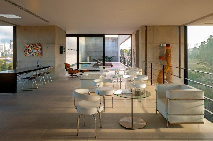 marcos-bertoldi-arquitetos-design-huge-rb-house-five-floors-home-near-graciosa-country-club-24