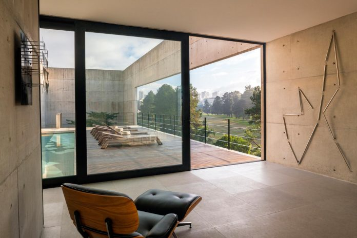 marcos-bertoldi-arquitetos-design-huge-rb-house-five-floors-home-near-graciosa-country-club-25