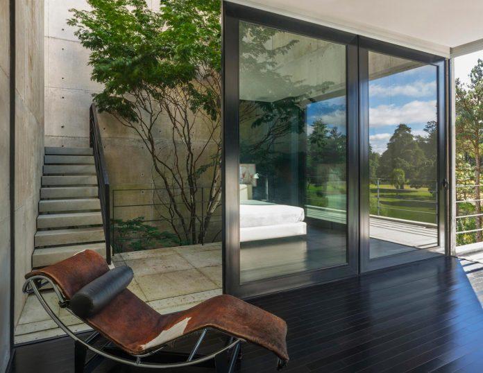 marcos-bertoldi-arquitetos-design-huge-rb-house-five-floors-home-near-graciosa-country-club-26