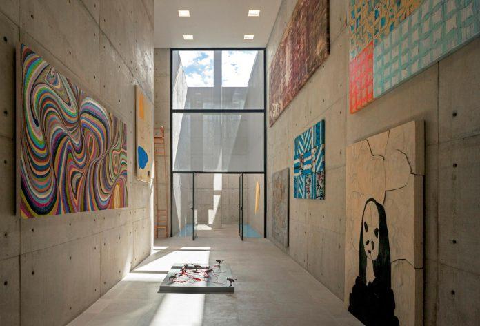 marcos-bertoldi-arquitetos-design-huge-rb-house-five-floors-home-near-graciosa-country-club-28