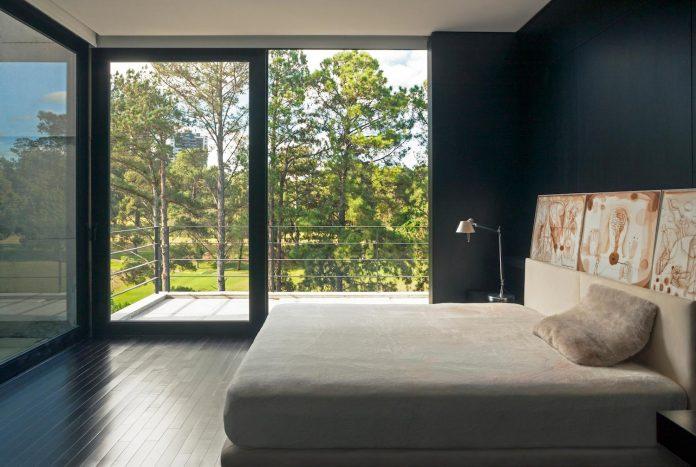 marcos-bertoldi-arquitetos-design-huge-rb-house-five-floors-home-near-graciosa-country-club-29
