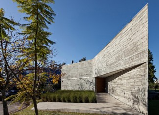 Minimalist Concrete L House by Alric Galindez Arquitectos