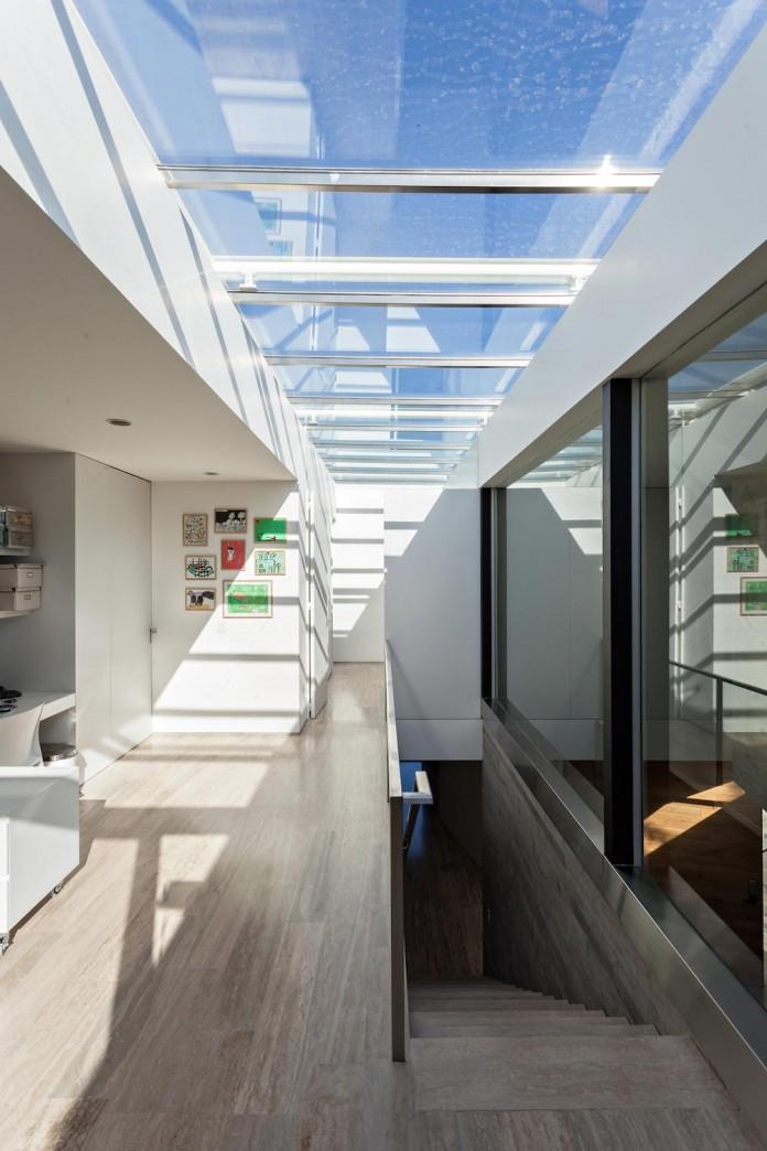minimalist-concrete-l-house-alric-galindez-arquitectos-04