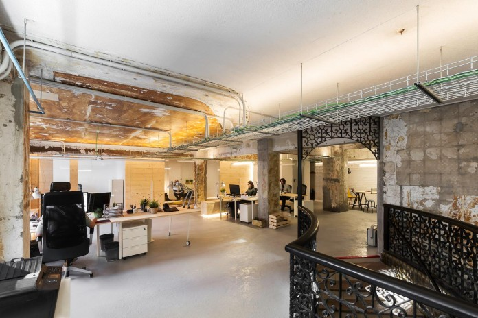 nan-arquitectos-redesign-iconweb-offices-old-billiard-contemporary-open-office-concept-06
