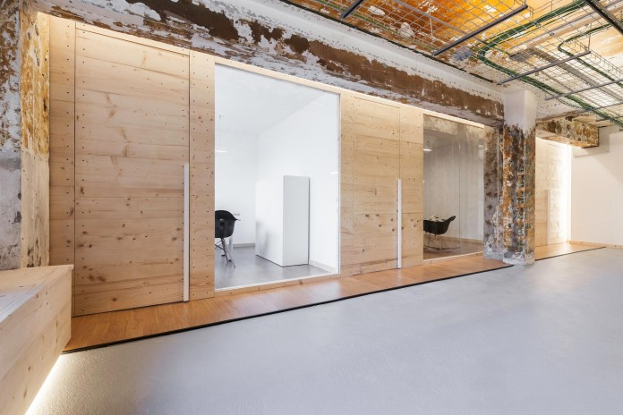 nan-arquitectos-redesign-iconweb-offices-old-billiard-contemporary-open-office-concept-11