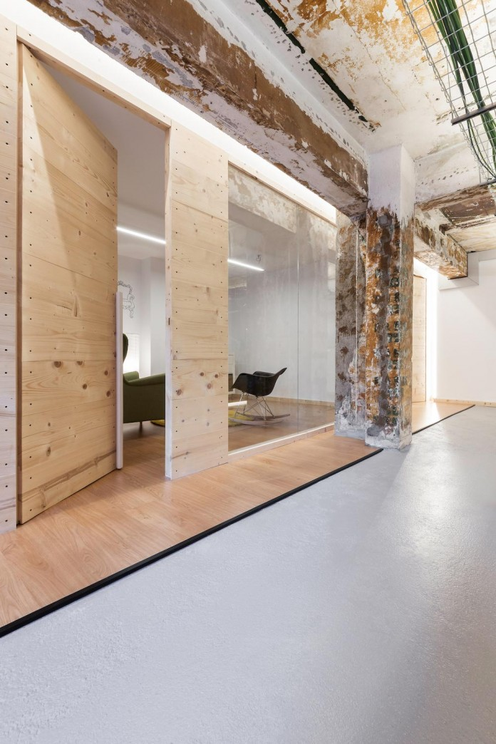 nan-arquitectos-redesign-iconweb-offices-old-billiard-contemporary-open-office-concept-14