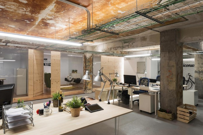 nan-arquitectos-redesign-iconweb-offices-old-billiard-contemporary-open-office-concept-20