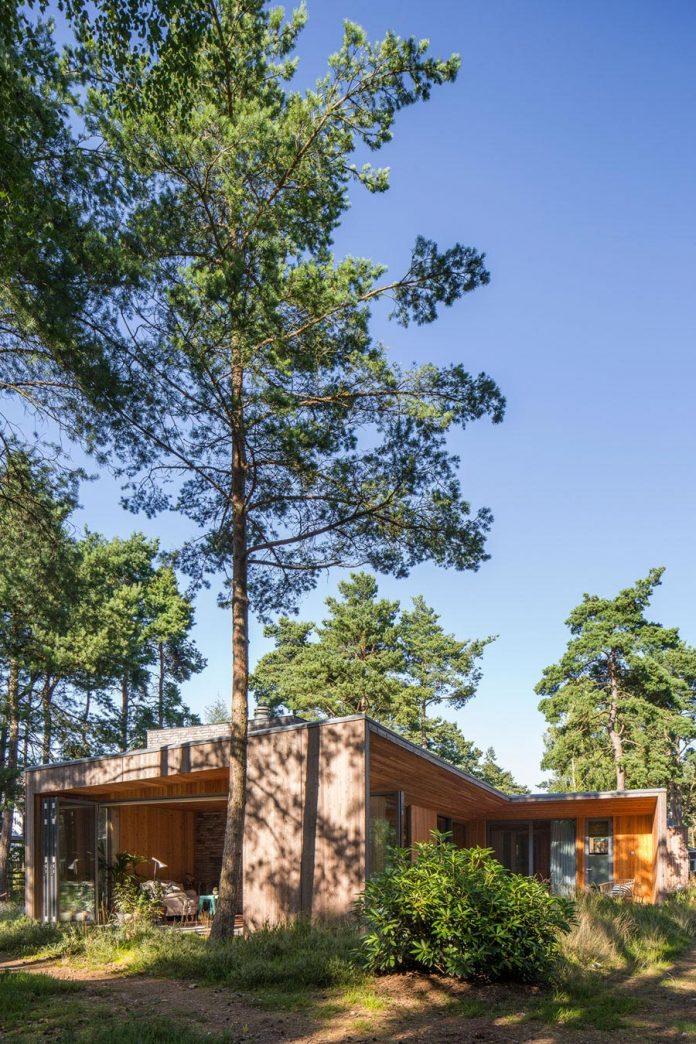 one-story-wooden-villa-ljung-johan-sundberg-02