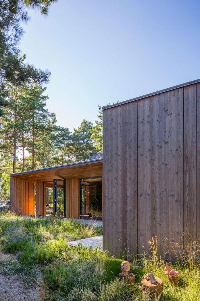 one-story-wooden-villa-ljung-johan-sundberg-03