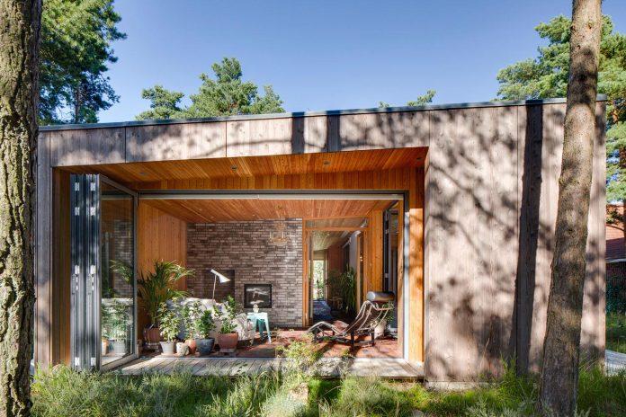 one-story-wooden-villa-ljung-johan-sundberg-06