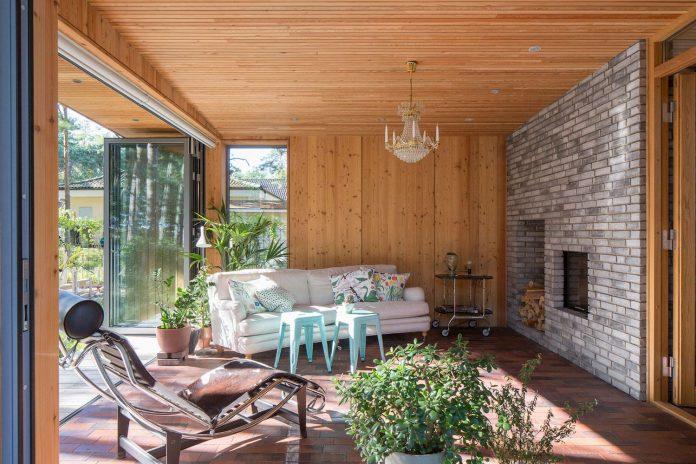 one-story-wooden-villa-ljung-johan-sundberg-08
