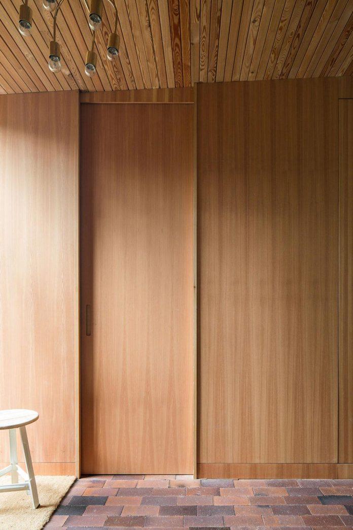 one-story-wooden-villa-ljung-johan-sundberg-12