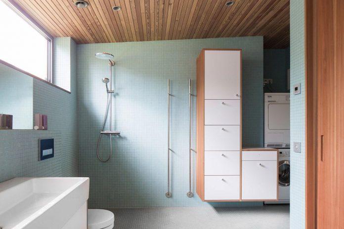 one-story-wooden-villa-ljung-johan-sundberg-13
