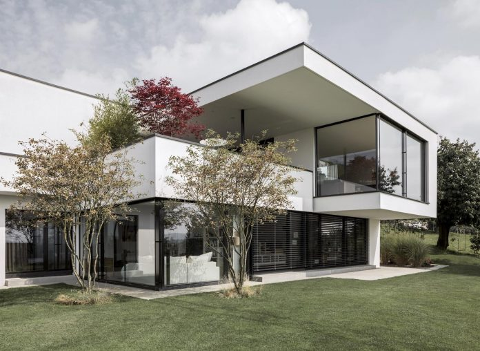 quality-comfort-design-enabling-highest-quality-life-objekt-254-villa-designed-meier-architekten-03