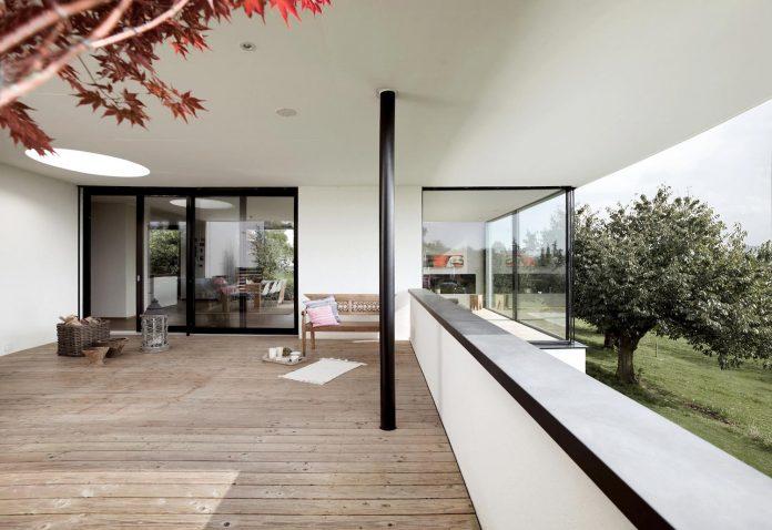 quality-comfort-design-enabling-highest-quality-life-objekt-254-villa-designed-meier-architekten-06