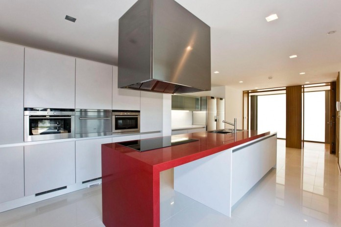 r-house-covered-white-estremoz-marble-atelier-darquitectura-j-lopes-da-costa-07