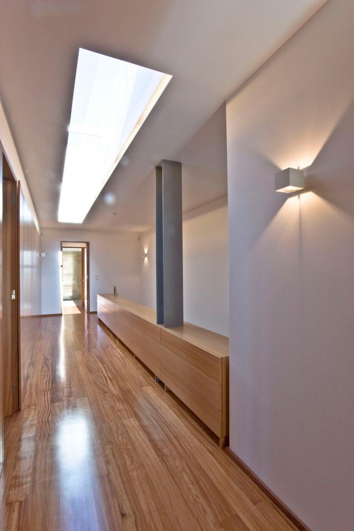 r-house-covered-white-estremoz-marble-atelier-darquitectura-j-lopes-da-costa-10