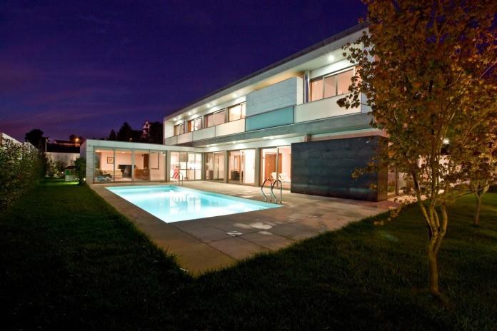 r-house-covered-white-estremoz-marble-atelier-darquitectura-j-lopes-da-costa-13