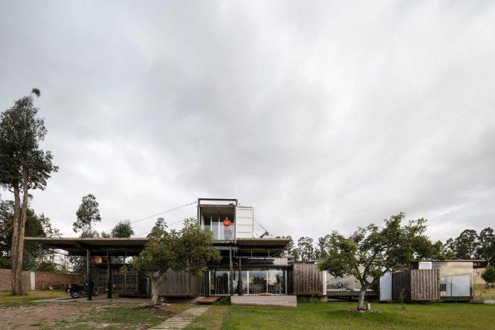 rdp-container-house-daniel-moreno-flores-sebastian-calero-16