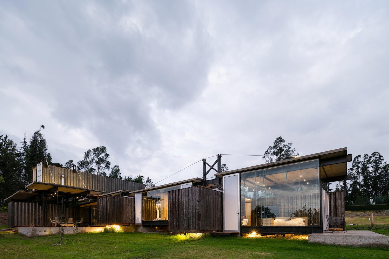 RDP Container House by Daniel Moreno Flores and Sebastian Calero