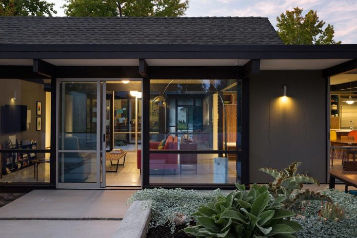 renewed-classic-eichler-sunnyvale-california-klopf-architecture-23