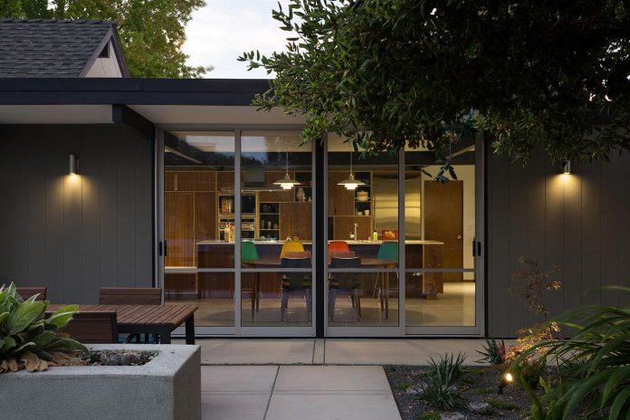 renewed-classic-eichler-sunnyvale-california-klopf-architecture-24