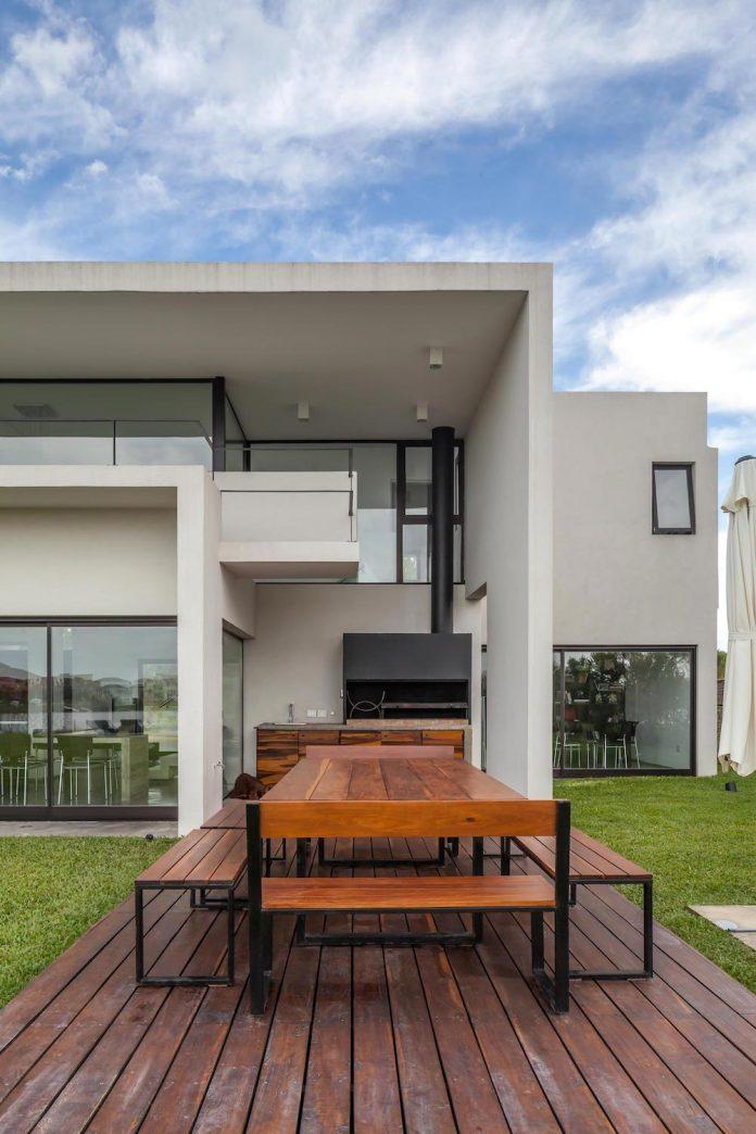 san-benito-house-besonias-almeida-arquitectos-05