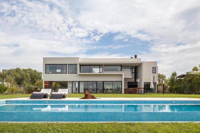 san-benito-house-besonias-almeida-arquitectos-06