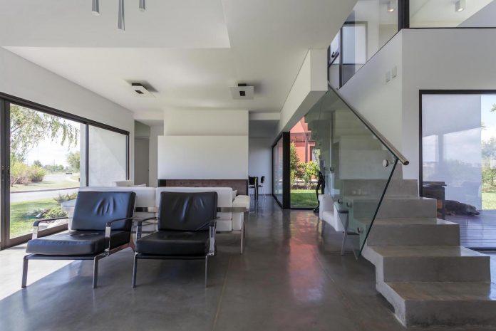 san-benito-house-besonias-almeida-arquitectos-07
