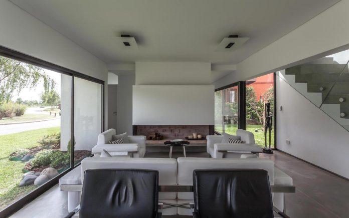 san-benito-house-besonias-almeida-arquitectos-08