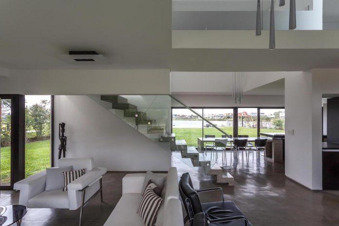 san-benito-house-besonias-almeida-arquitectos-10