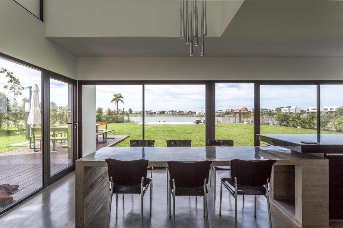 san-benito-house-besonias-almeida-arquitectos-12