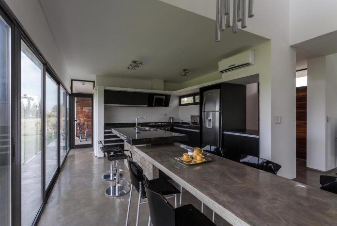 san-benito-house-besonias-almeida-arquitectos-13