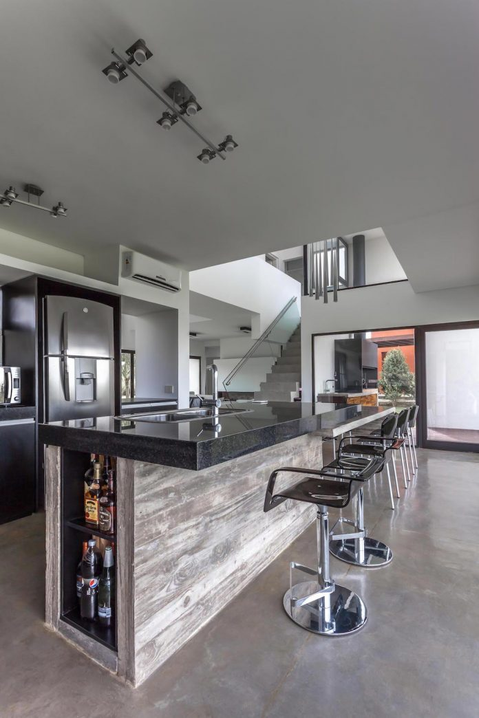 san-benito-house-besonias-almeida-arquitectos-14