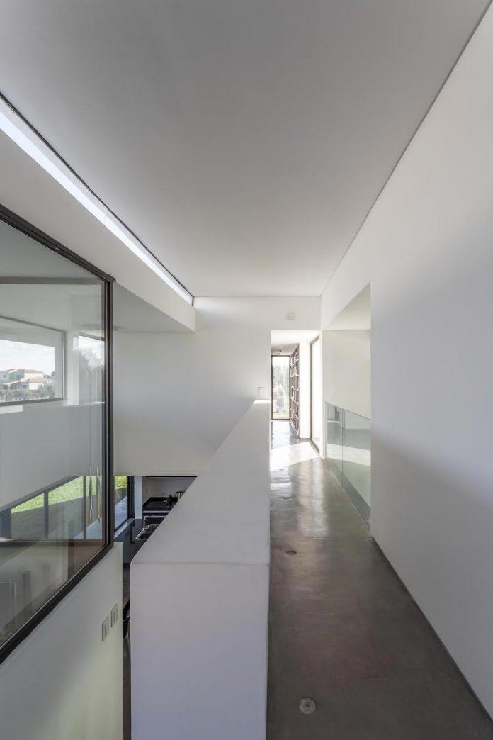 san-benito-house-besonias-almeida-arquitectos-16
